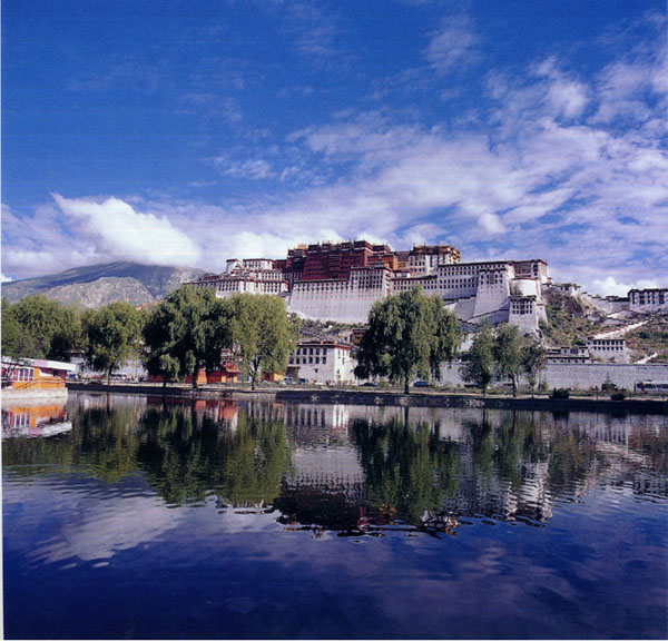 potala_palace_lhasa_tibet_china_photo_gov_4.jpg