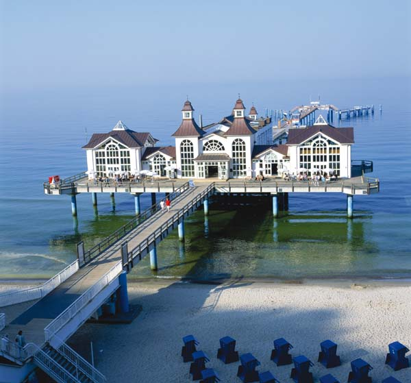 The pier in sellin on the island of rugen germany photo for Sellin rugen