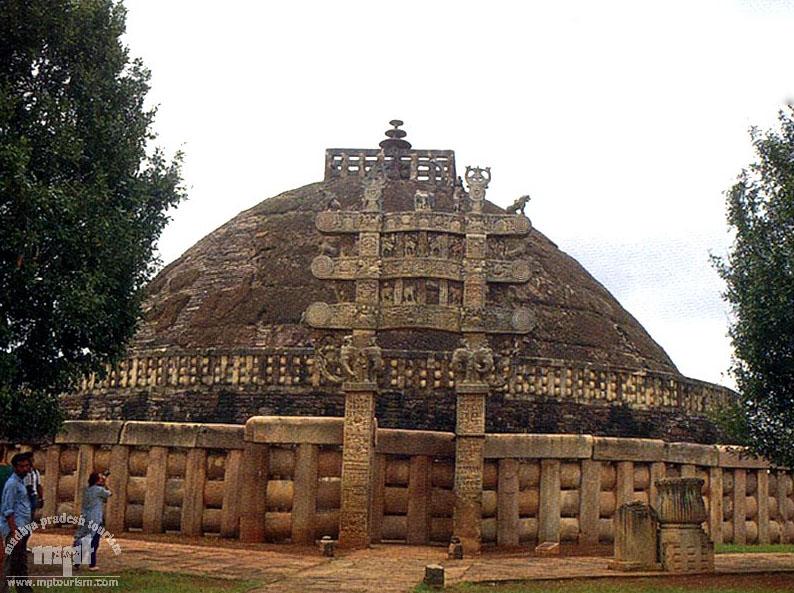 The Stupa @ Sanchi: An Indian architecture marvel | Sankalp India