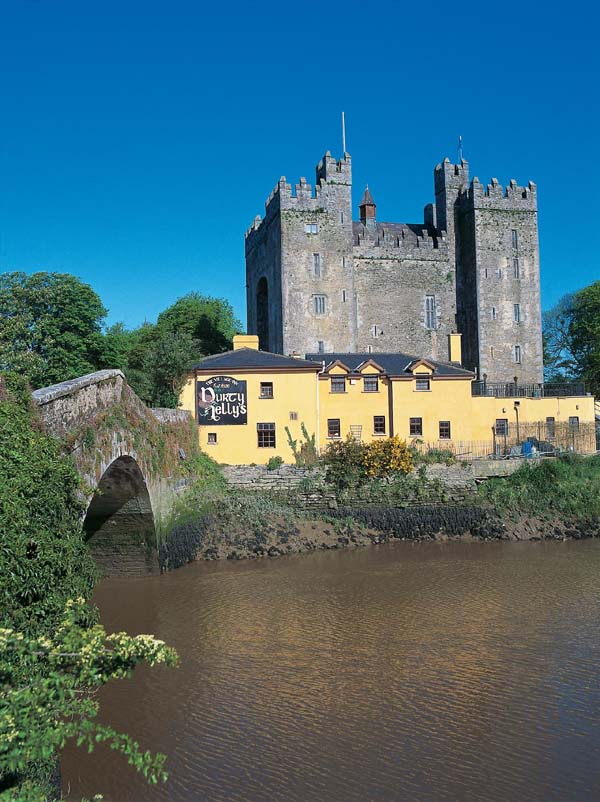 Clare Ireland  City pictures : Bunratty Castle