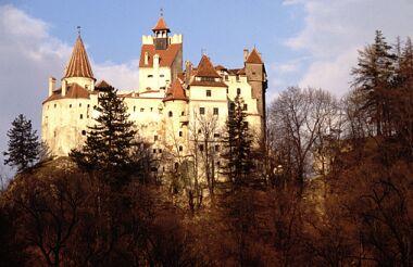 TONIGHT'S MISSION.. - Page 39 Bran-dracula_castle_transylvania_romania_photo_tatiana_murzin