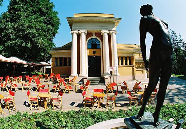 Srpski turizam - Beograd Cvijeta_zuzoric_art_pavilion_kalemegdan_serbia_photo_tob